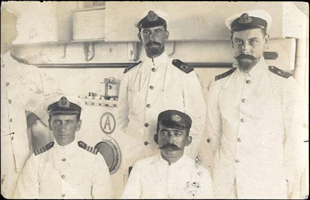 Officiers de marine britanniques